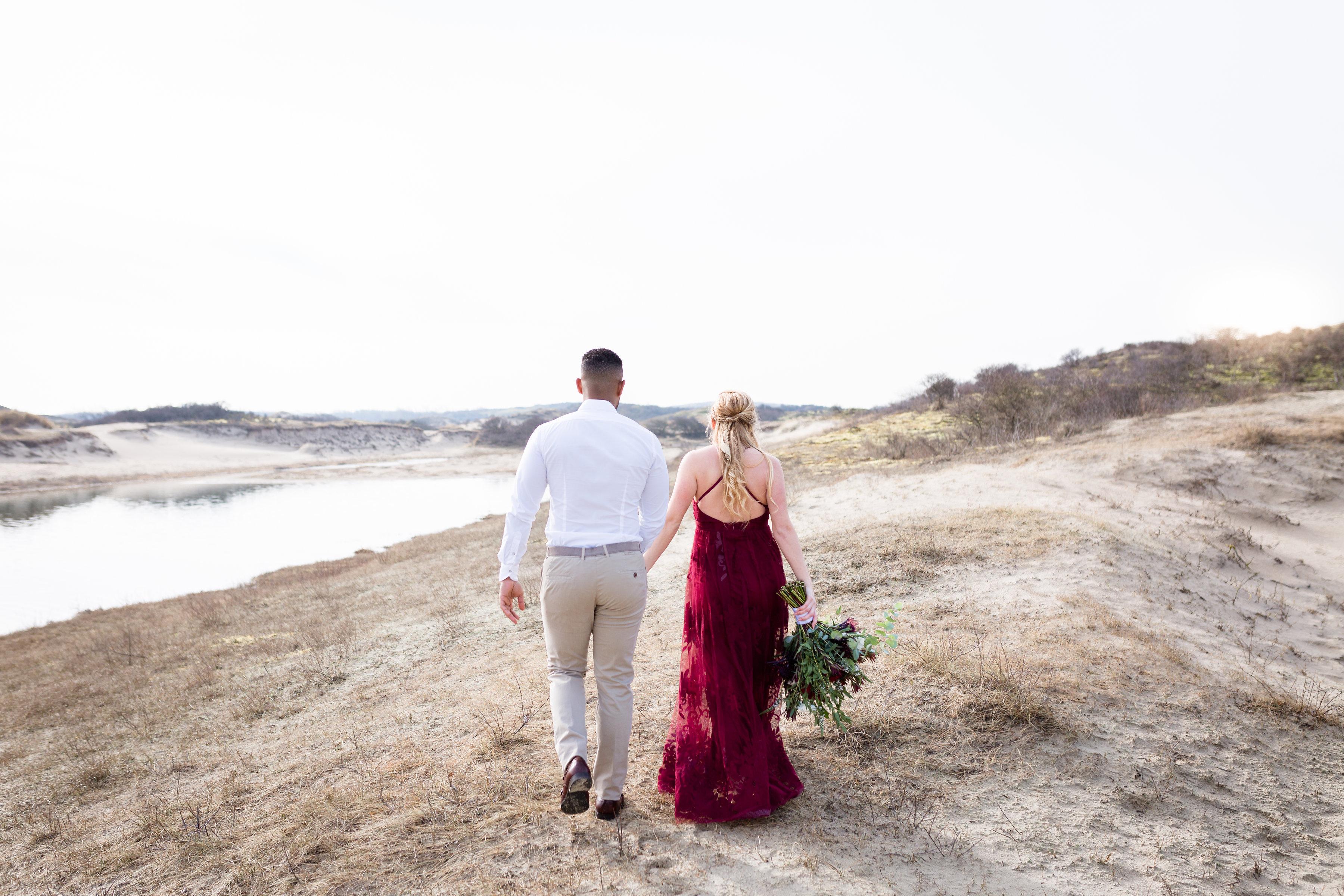 Romantische zwangerschapsshoot in de duinen // Kelly & Sanches