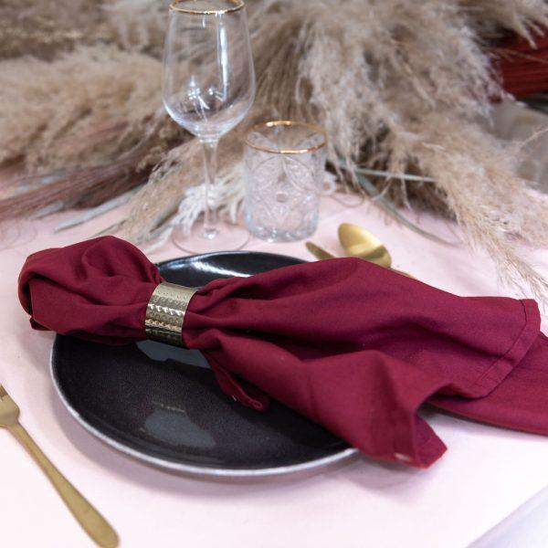 servet rood bordeaux huren bruiloft