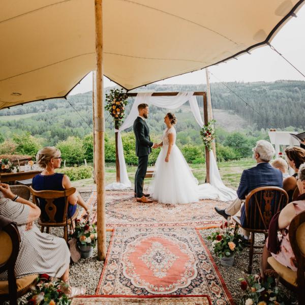 tapijten huren bruiloft the bridal blush
