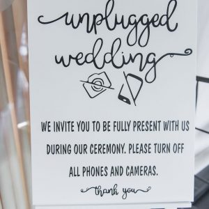 Unplugged Wedding wit