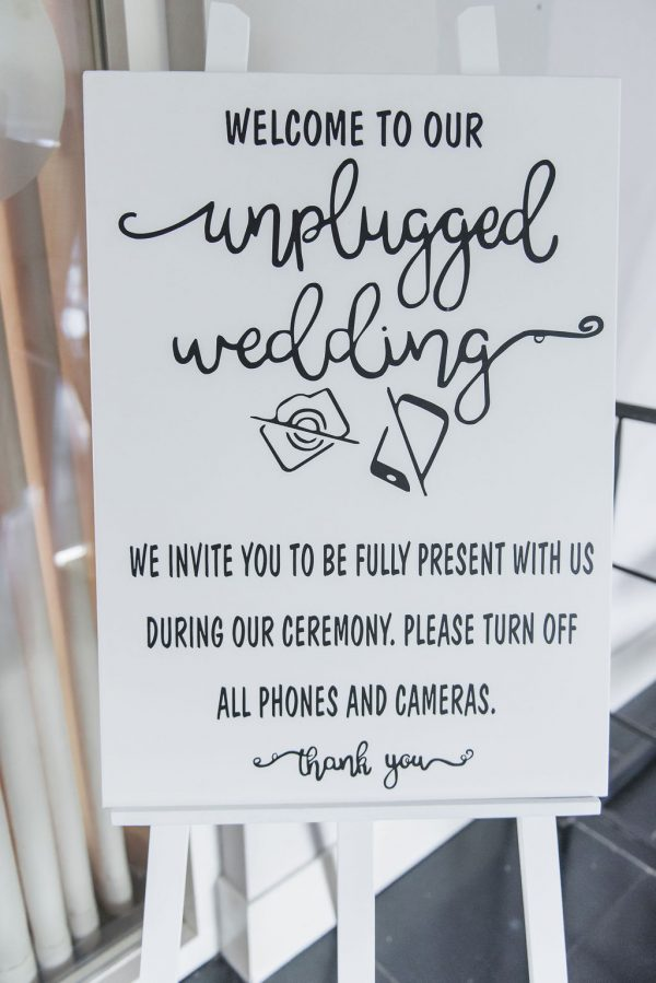 unplugged wedding bord huren bruiloft